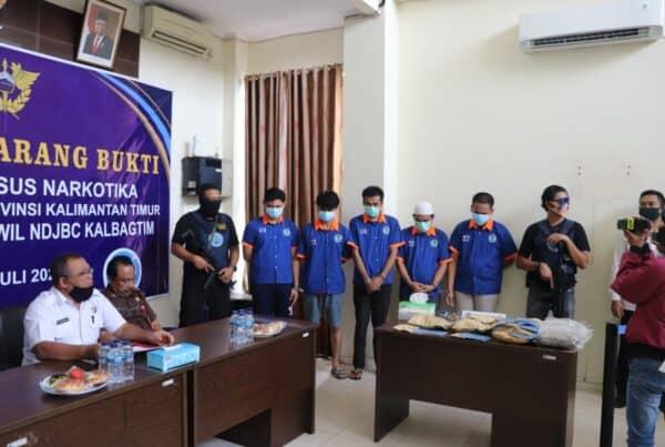 BNNP Kaltim - Pemusnahan barang bukti kali ini BNNP kaltim menggandeng Balai POM Samarinda Musnahkan Sabu denga incenerator.