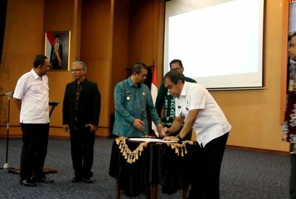 MOU Antara Universitas Mulawarman dan KPID Kaltim dengan BNNP Kaltim