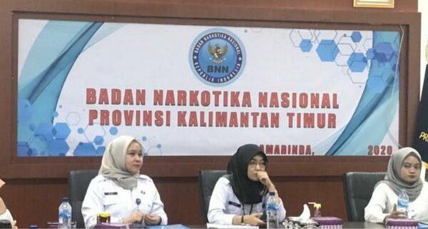 BNNP Kaltim - memberikan bekal kepada 15 orang agen pemulihan dari beberapa kelurahan di Samarinda